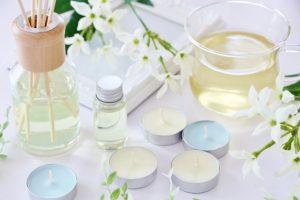 アロマオイル、精油(エッセンシャルオイル)、合成香料の違いとは?